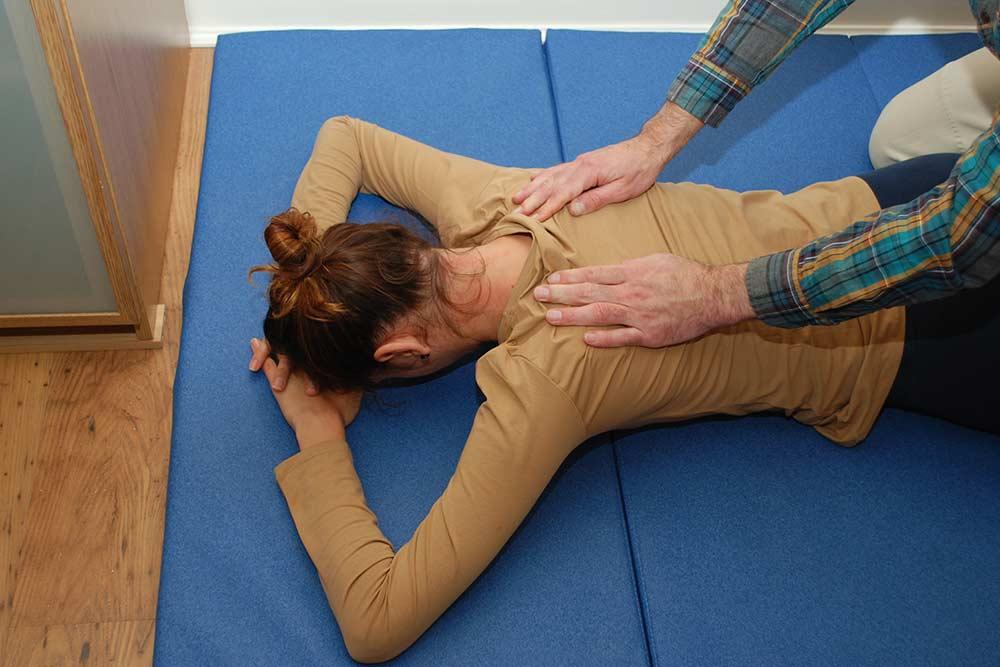 Masaż brzucha, czyli ćwiczenie na obudzenie